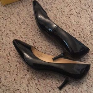 "Like new Black heels 7 1/2, heel 2"" shinny"